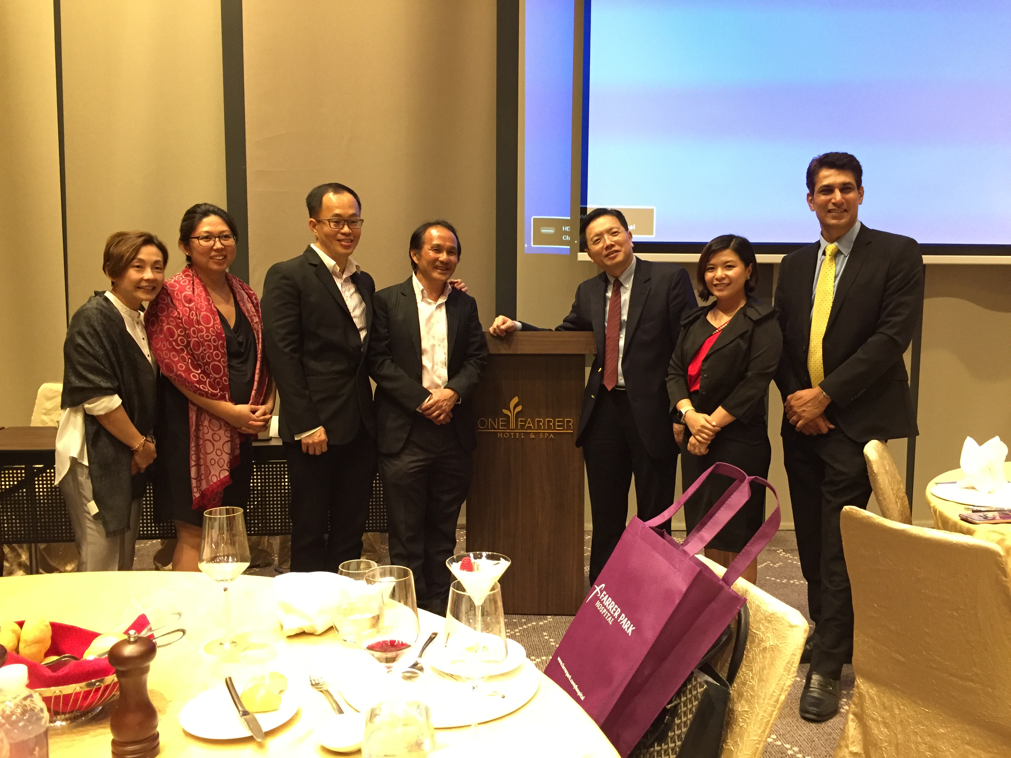 "(L-R) Ms Jil Teo, Ms Dawn Leow, Dr Bobby Cheng, Dr Chua Ee Chek, Dr Au Eong Kah Guan, Ms Tan Pei Xian and Mr Manish Soni at the symposium on ""Advances in Computer-assisted Cataract Surgery"" at One Farrer Hotel & Spa on 2 August 2017."