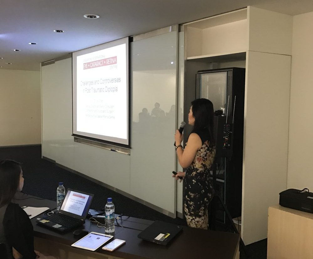 """Dr Joy Chan delivering her lecture to practising surgeons from Singapore and around the region on """"Challenges and Controversies in the Management of Post Traumatic Diplopia"""" at the AOCMF Course on 18 August 2017."""