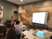 Dr Joy Chan sharing with general practitioners the diagnosis and treatment of red eye during a lunch-time talk at Swatow Restaurant, Serangoon Gardens Country Club, on 19 July 2017.