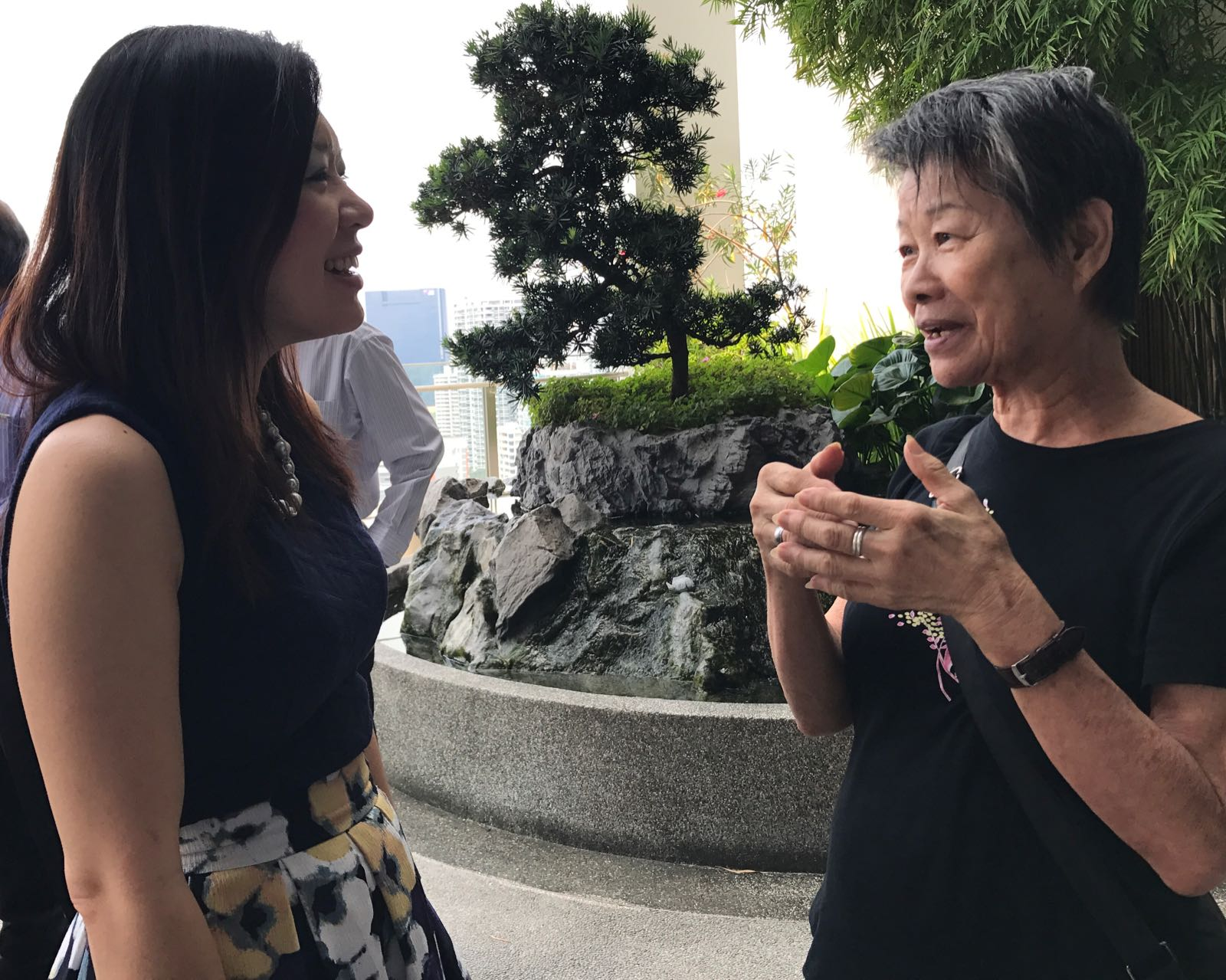 "Dr Joy Chan (L) catching up with her patient Madam Liau Hon Kiau at the ""Thank You"" lunch meeting on 26 October 2017."