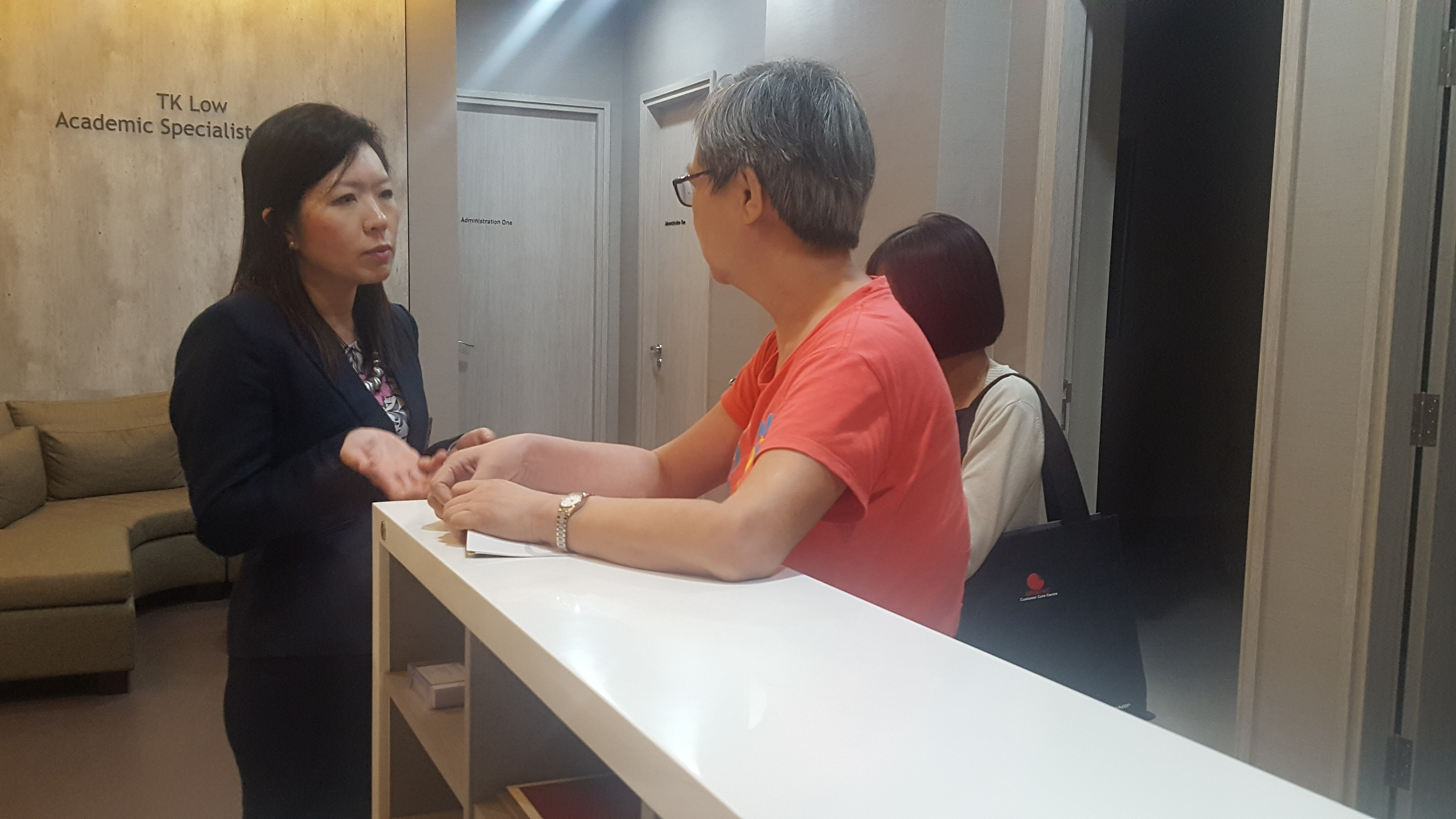"""Dr Joy Chan addressing queries from a participant at the end of the free public forum on """"Common Eye Conditions"""" in Farrer Park Hospital held in conjunction with Awareness of Macular Diseases Week 2017."""