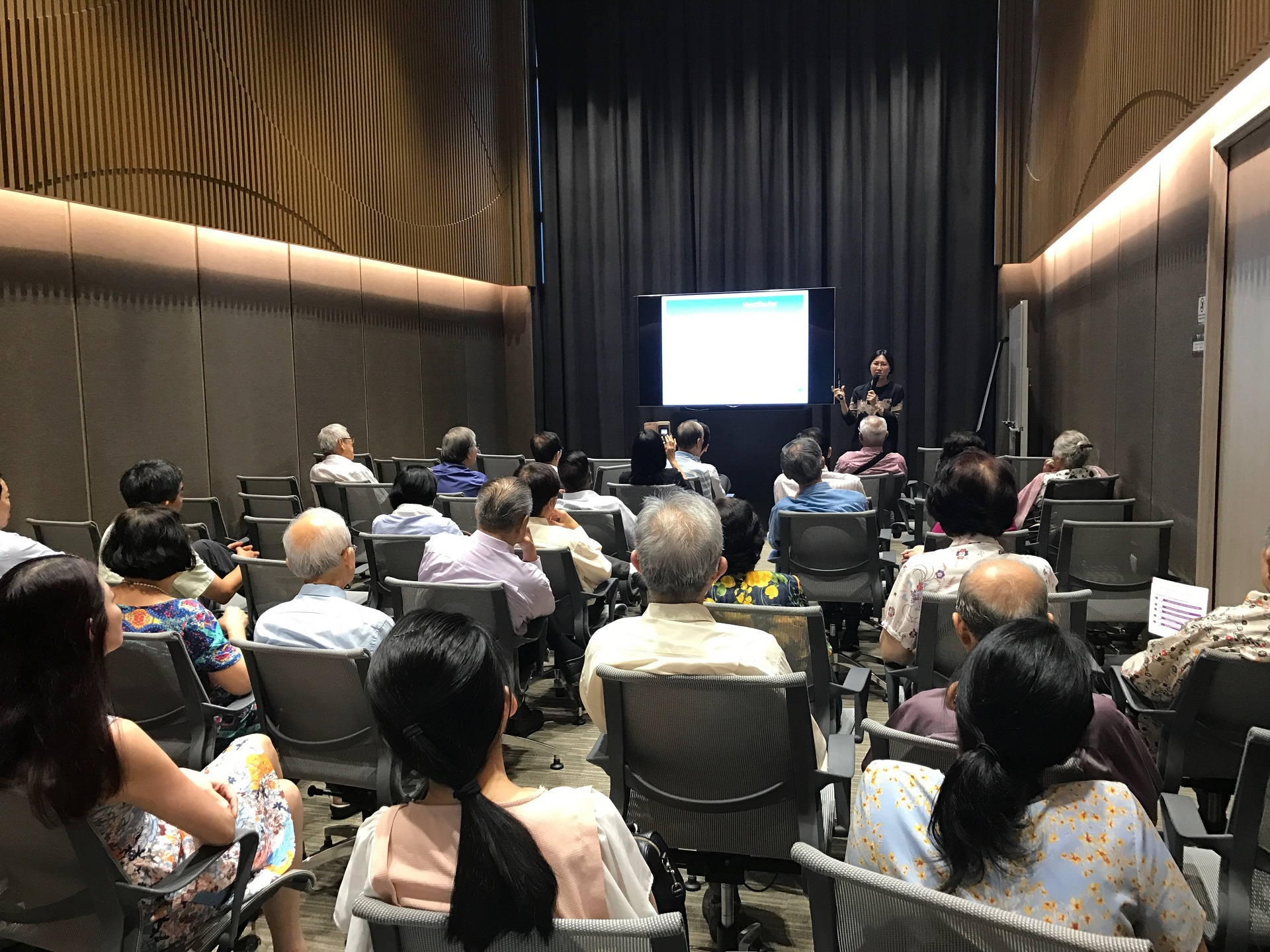 Medical doctors listening attentively to Dr Lim Hsueh Yee Lynne during her Continuing Medical Education Lecture at Farrer Park Hospital on 3 August 2017.