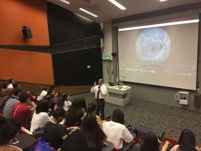 Dr Ajeet Madhav Wagle delivering his lecture on retinal angiography to Ngee Ann Polytechnic optometry students on 27 November 2017.