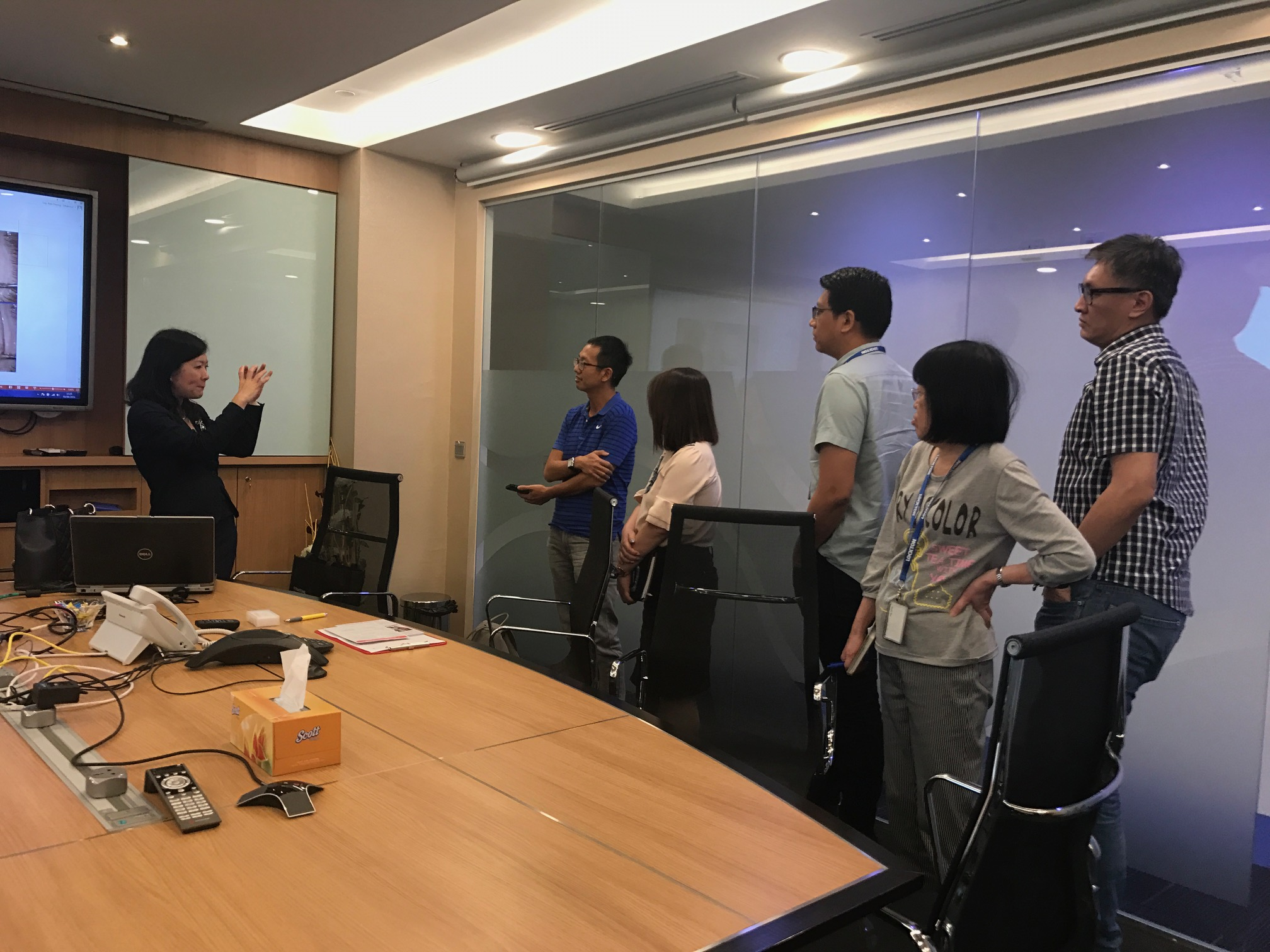 Dr Joy Chan answering questions from staff of Lockton (Singapore) after her talk