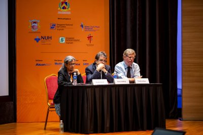 Dr Shantha Amrith (L) from International Eye Cataract Retina Centre chairing a scientific session at the 5th International Thyroid Eye Disease Society (ITEDS) Symposium held on 22-23 February 2019 in Singapore